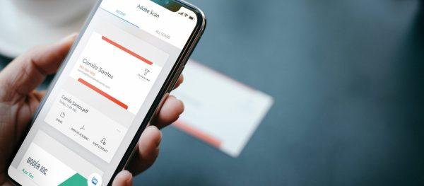 Adobe A Publie Une Mise Jour Pour Application Scan Qui Vous Permet De Convertir Facilement Des Cartes Visite Dans Les Contacts